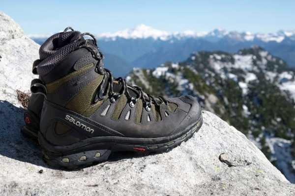 Зимние лучше подходит под неблагоприятные условия и восхождения на высокие горы