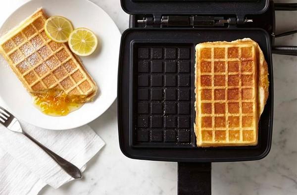 Определитесь сразу, какой тип вафельницы подойдет для вас больше – для приготовления тонких или бельгийских вафель