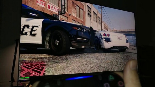 На PS4 игра работает хорошо