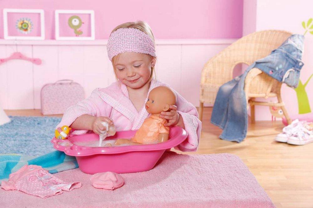 Для любой куклы потребуются и дополнительные аксессуары, чтобы игра была более интересной и развивающей