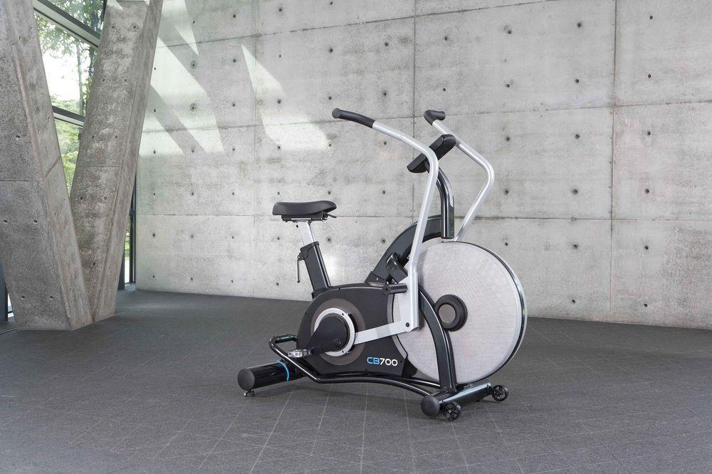 При выборе велотренажера нужно учитывать, какими функциями он оснащен