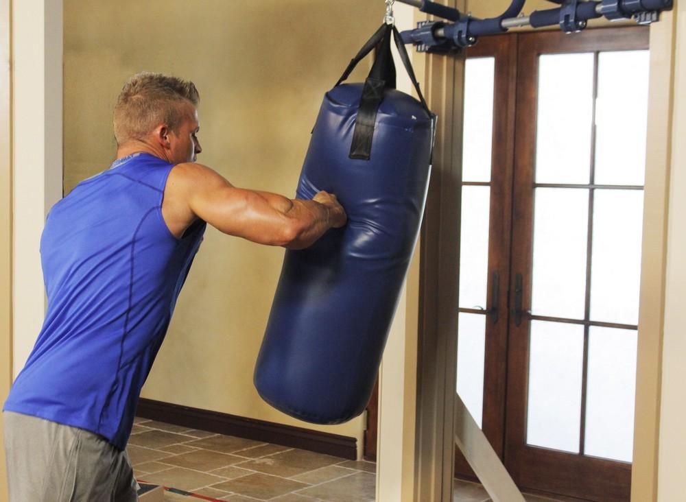 Боксерский мешок – отличный вариант для развития выносливости