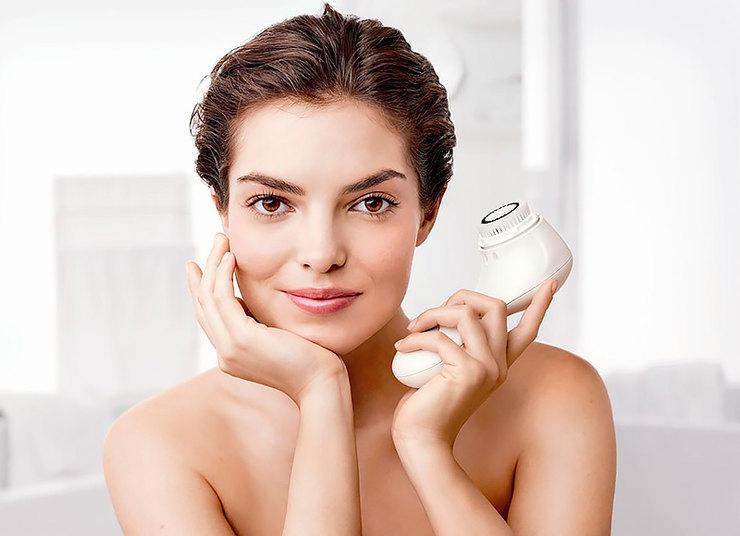 При повышенной жирности кожи лица пользоваться прибором-щеткой можно дважды в день