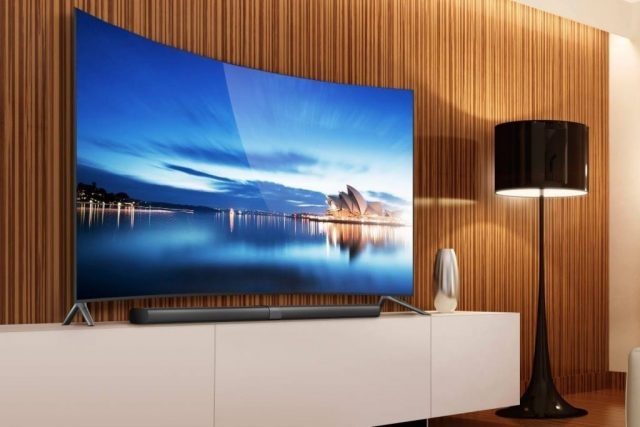 Телевизор с изогнутым экраном
