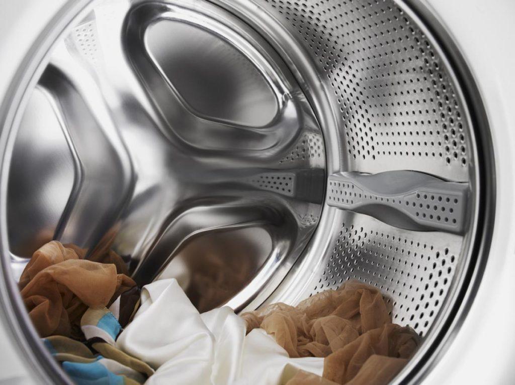 Вместительный барабан позволит стирать крупные вещи