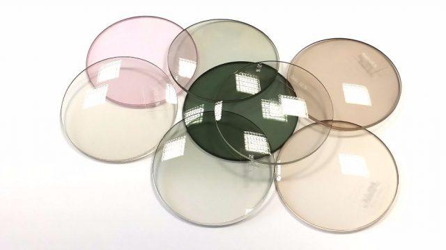 Линзы могут быть пластиковыми и стеклянными