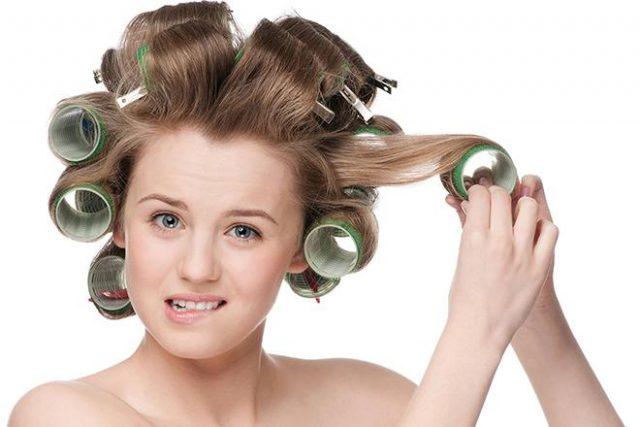 Средней длине волос подходит любой тип бигуди