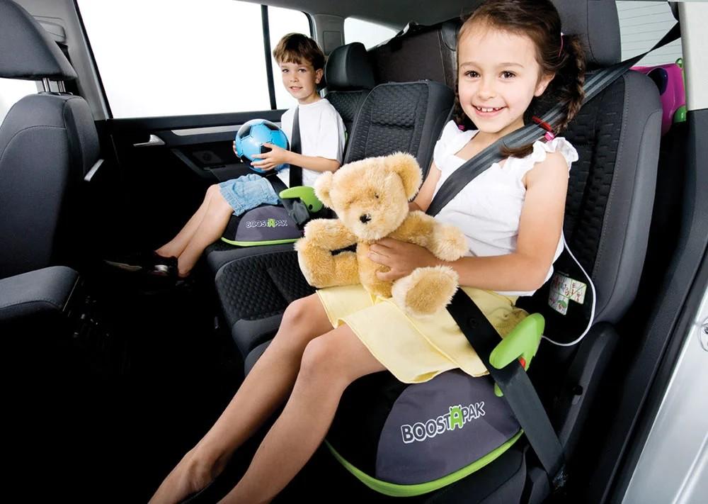 Важно, чтобы бустер был удобным и качественным – в таком случае ребенок во время поездки в авто будет в безопасности, при этом чувствовать себя он будет комфортно