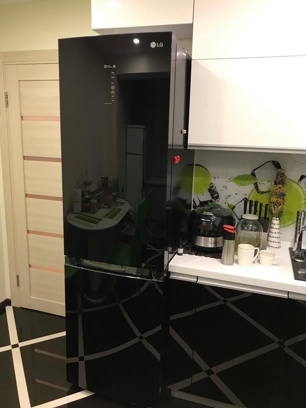 Очень важно, чтобы холодильник хорошо вписывался в общий интерьер кухни