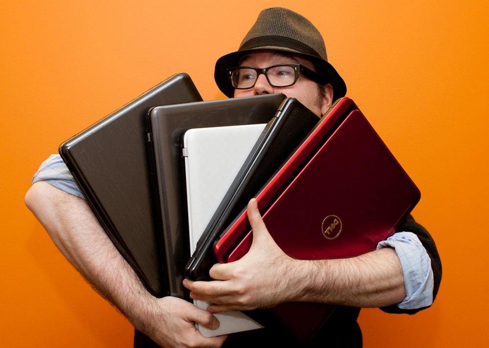 Лучше выбирать ноутбуки с немарким корпусом