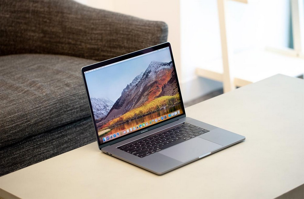 Перед покупкой нужно задумываться – а стоит ли брать ноутбук именно от Apple?
