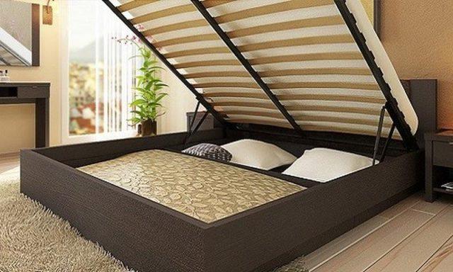 Кровать с реечным днищем