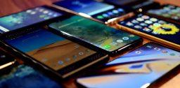 Без смартфона сейчас сложно представить жизнь любого человека
