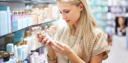 Состав любого кПеред покупкой крема необходимо тщательно изучить его составрема, даже дорогого, нужно внимательно изучить