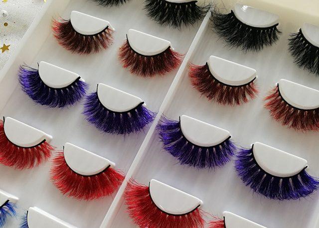 Для оттенка наращиваемых ресниц рекомендуется учитывать естественный тон волос