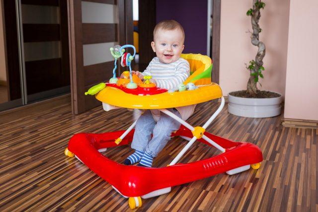 Важно правильно выбрать детские ходунки